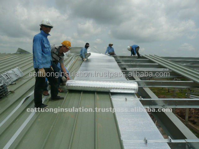 Foil bubble insulation on a metal shed roof,aluminium foil roof heat insulation material