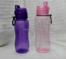 The colored lid with carabiner clips 26oz plastic water bottle