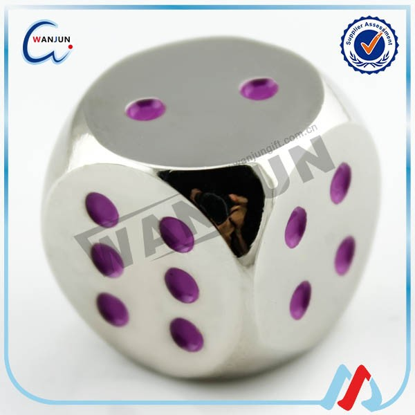 Refined wholesale plating metal colored dice with custom logo