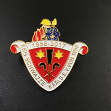 Specialized soft enamel commemorate metal badge