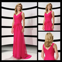 Mo1020 V-Neck Ruffle Mother Of The Bride Dresses With Sweep Train