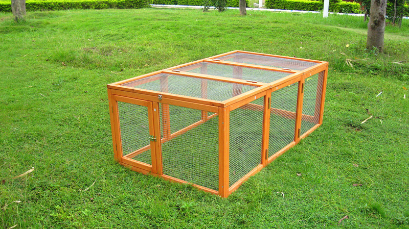 Easy clean folding wooden chicken coop run