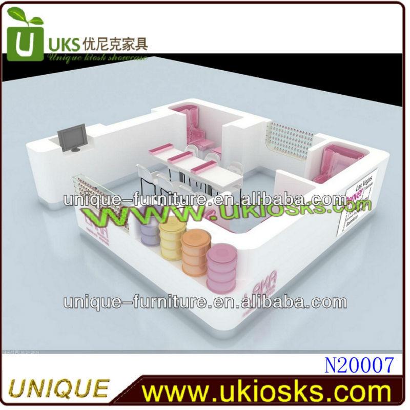 Por encargo de manicura mesa y una silla nail bar kiosco for Sillas para kiosco