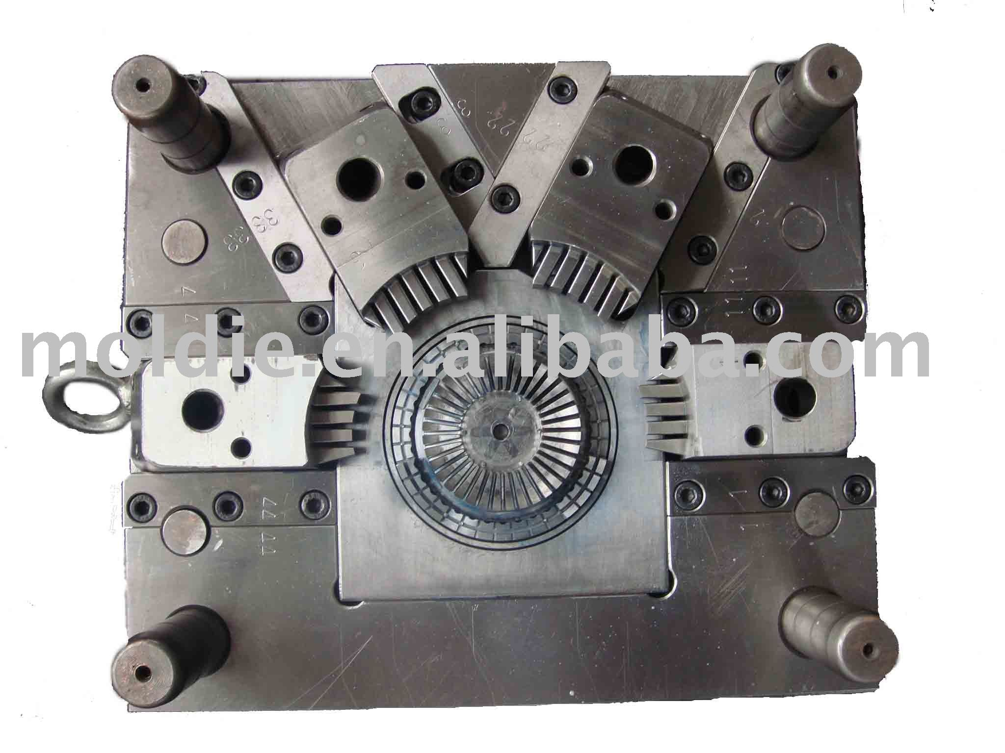 plastic injection mold for disk