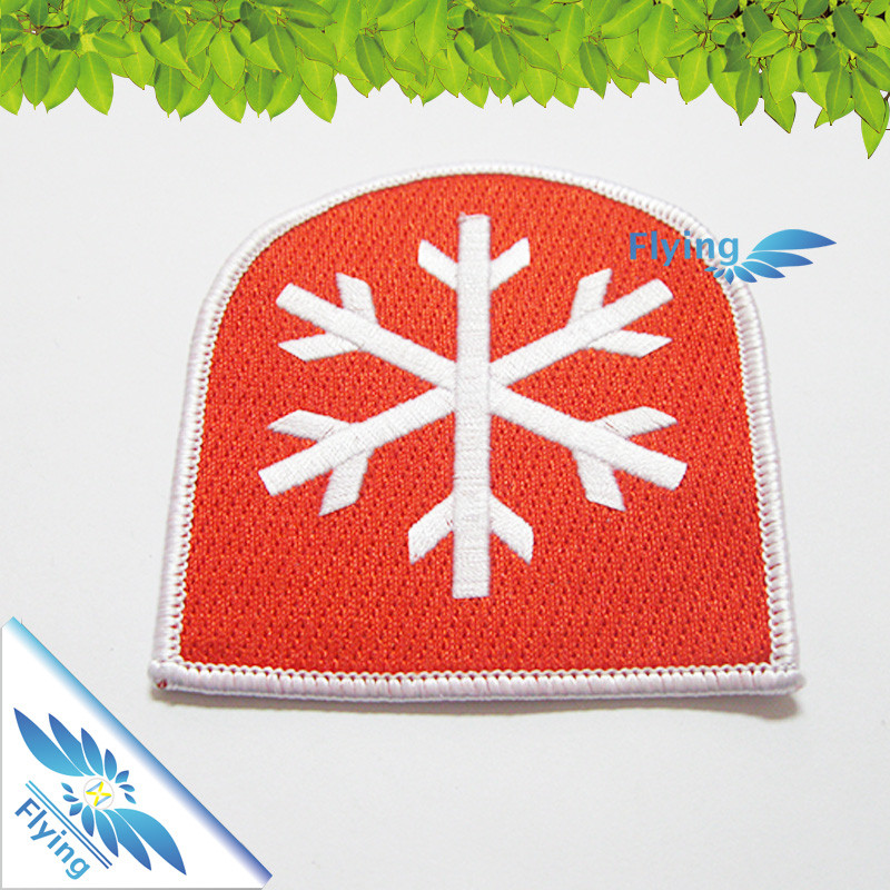 Wholesale school uniform badges 2017 embroidery textile patches custom iron on patches factory direct sale