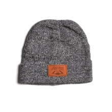 100% acrylic winter ski manufacturer knitted beanie hat with leather patch