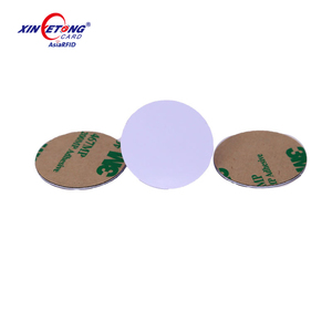 Low Cost 125khz Dia30mm T5577 RFID coin tag Dry Inlay Round PVC RFID Disc Tag for Laundry