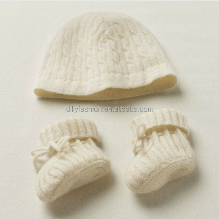 classic cable knit cashmere baby hat & bootie set