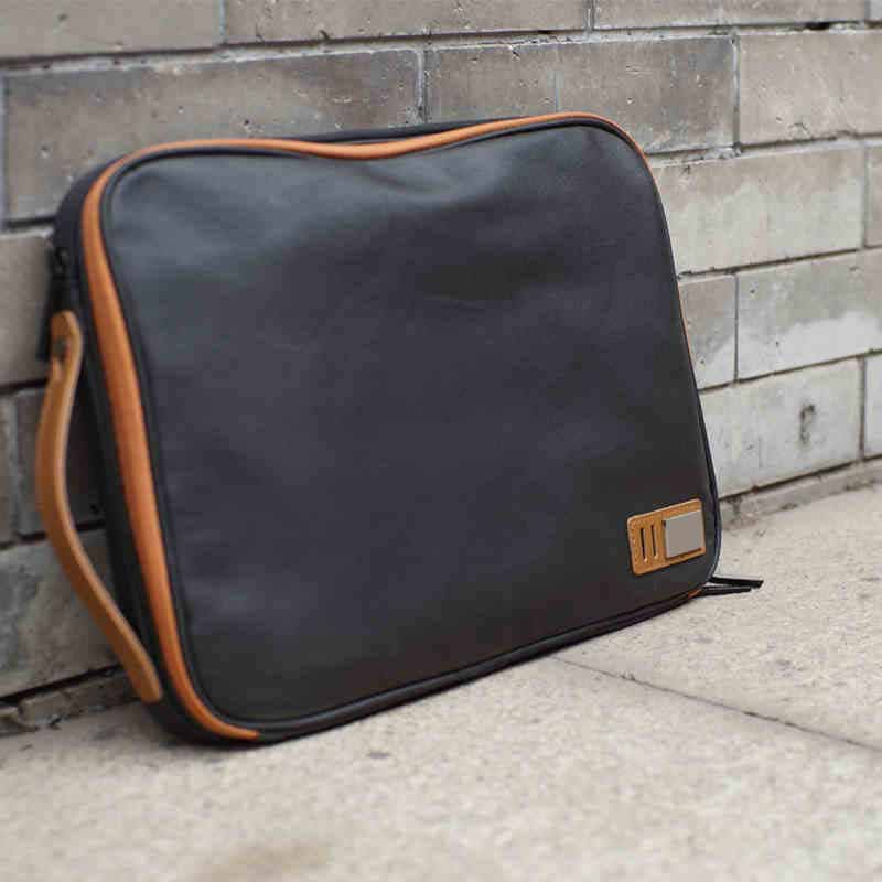 PU leather laptop bag with zipper beauty bag sleeve for women from guangzhou