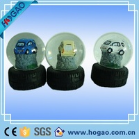 Resin Bus or Car Design Souvenir Gift Custom Snow Globe Manufacturer
