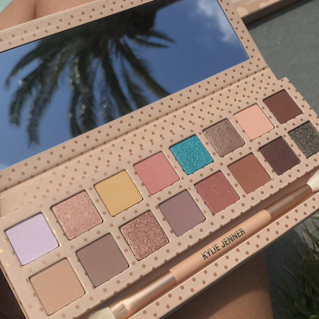 Kylie Cosmetics Take Me On Vacation Pressed Powder Eyeshadow & Bronzers & Highlighters Powder Foundation & Send Me More Nudes Va