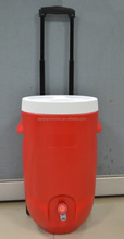 New fashion 5 gallon water cooler jug with wheels