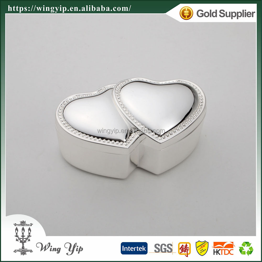 Wholesales Tailor made Heart Shape with Crystals Silver Plated Metal Jewelry display box for gift
