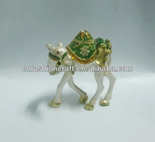 2014 Brand New high quality New desin Pewter Alloy hand painted bejewelled metal camel craft
