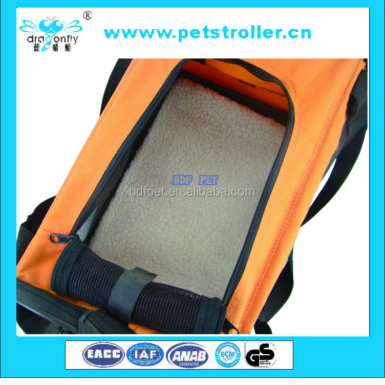Expandable tote or shoulder foldable pet travel bag carrier for cute cat or dog