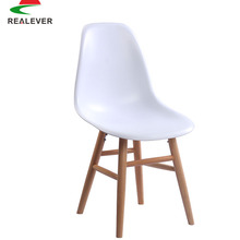 Hot sale dining room furniture PC/PP/ABS seat beech legs white plastic chair