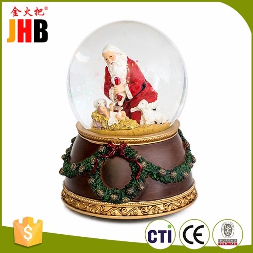 2016 Resin Custom Christmas SnowGlobe for Wholesale