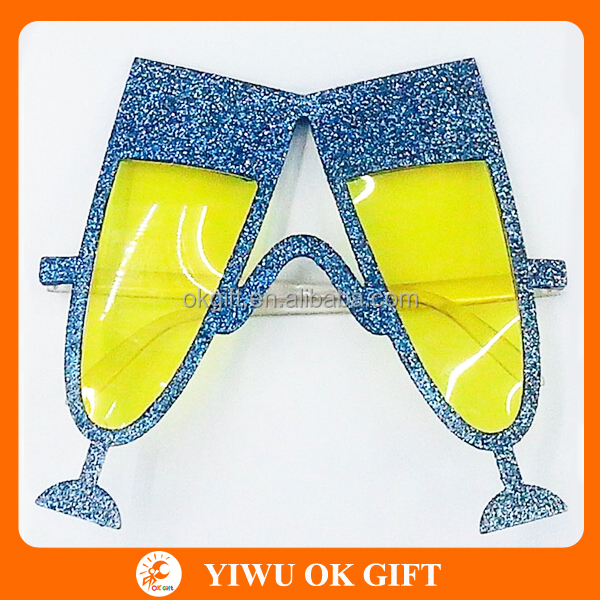 Shining glitter party champagne glasses