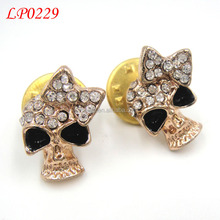 wholesale high quality china custom skull metal crystal rhinestone blinking brooch