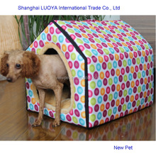 Custom made elegantly designed triangle house fancy dog house with waterproof roof in winter