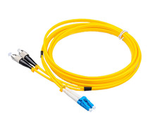 China Supply 2.0mm 3m SC Optical Fiber Pigtail SC UPC APC Fiber Optical Patch Cord /Leads
