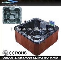 Classic Bathtub with TV Sanitary Ware Pop-up TV Outdoor Spa