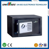 FAMILY ELECTRONIC MINI SAFE
