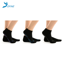 Custom Women Breathable Slip Resistant Yoga Pilates Socks
