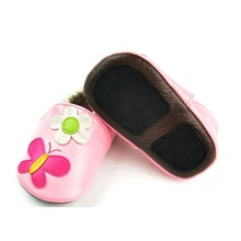 Customized Pattern Many Style for Your Choose Spanish Pink Baby Shoes Girls Baby Shoes With Flower
