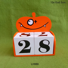 Halloween calendar, wooden pumpkin advent calendar blocks
