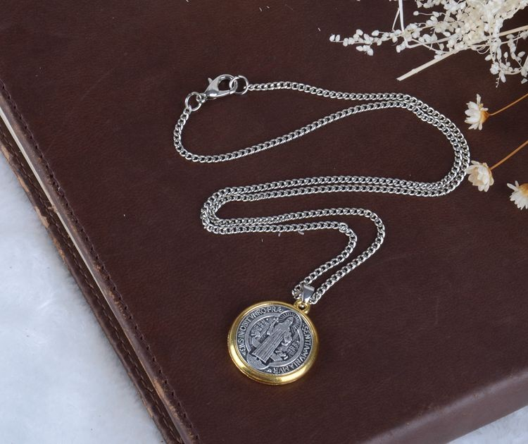 A&J Welcome ODM High Quality St Benedict Medal Pendant Necklace