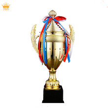 2018 new mold custom wholesale soccer plastic trophies