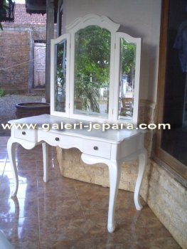 French Furniture - Dresser Mirror for Bedroom Furniture - Dresser Mirror Stand in Makeup Mirror