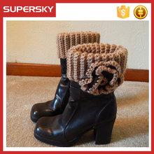 K-322 wholesale solid color women loom knitting leg warmers with flower cable open knit boot cuff