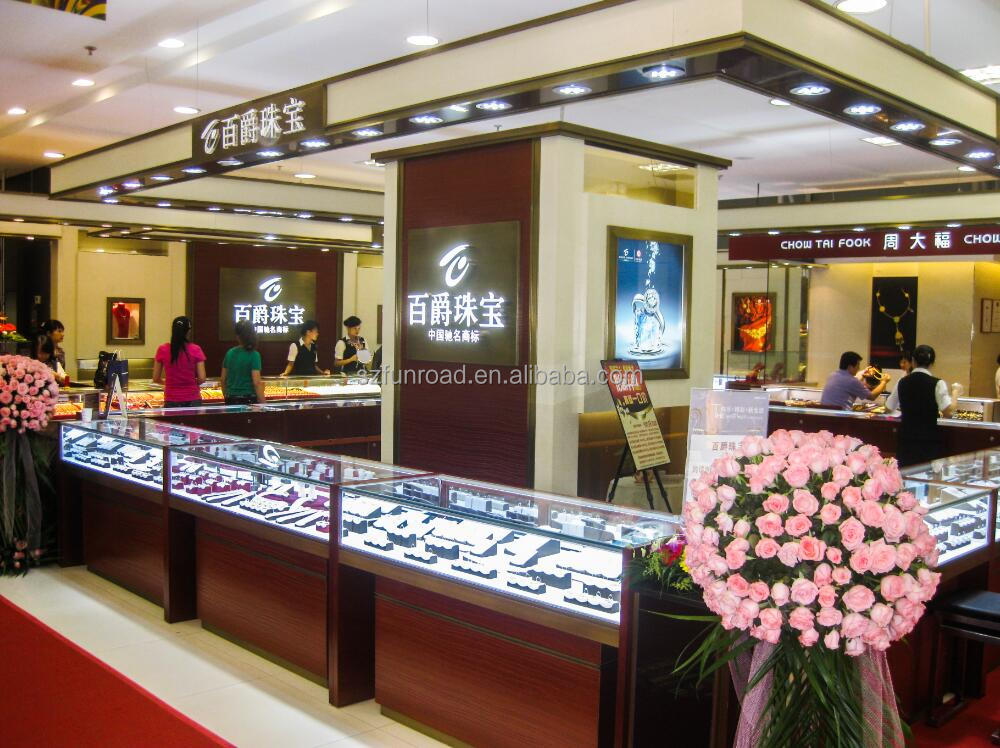 Good quality glass jewelry display showcases for luxury for A good jewelry store