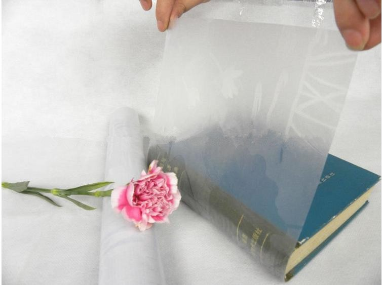 2016 Hot sale Self adhesive transparent pvc book cover/embossed pvc book cover