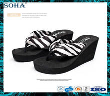 2017 New design Fashion Vogue wide fabric strap flip flops slope high heel
