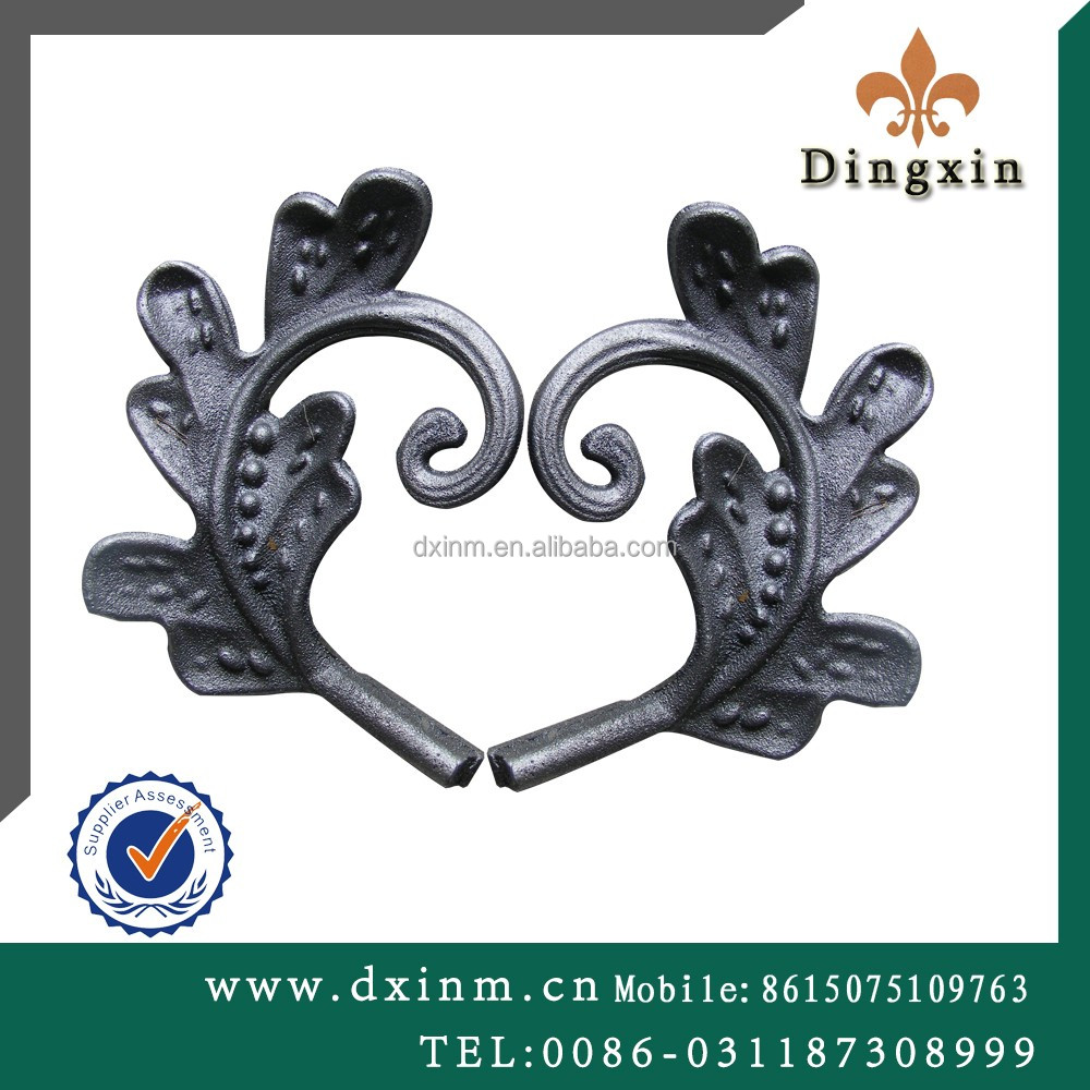 The coupled metal leaves used for the sliding gate and iron gates for villas for sale
