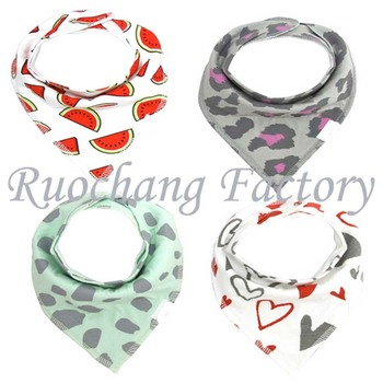 2016 Latest hot selling cartoon new designs new arrival customized logo and designs baby bibs bandanas