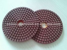 Flexible wet/dry polishing pad for stone grinding