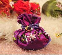 Chinese Style Silk Brocade drawstring Bracelet Pouch , Coin Purse CH108