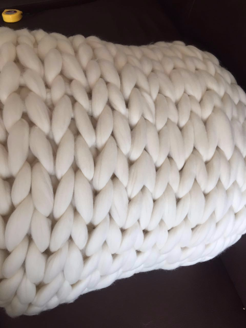 Arm Knitting 100% Merino Wool Roving Top Blanket Yarn Super Chunky from China
