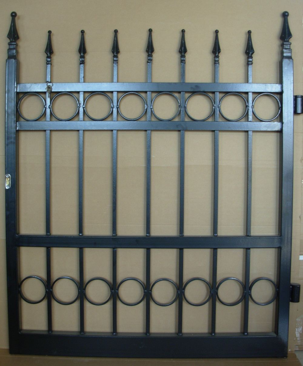 Simple china hot sale wrought iron main gate designs
