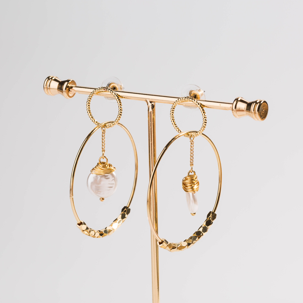 Korean style hammered golden jewelry flat pearl earrings