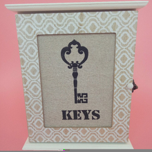 Customized craft wooden key organizer box with 3 holders