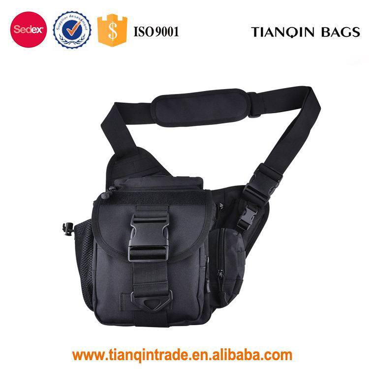 Competitive Price Camera Shoulder Bag Waterproof Multi-functional Tactical Military Messenger Bag for Hiking