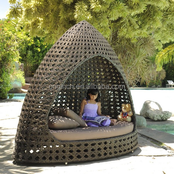 Triangular hut shaped poly rattan woven garden sleeping furniture exotic style outdoor bali daybed
