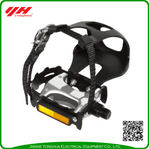 Mountain bike pedals with foot strap