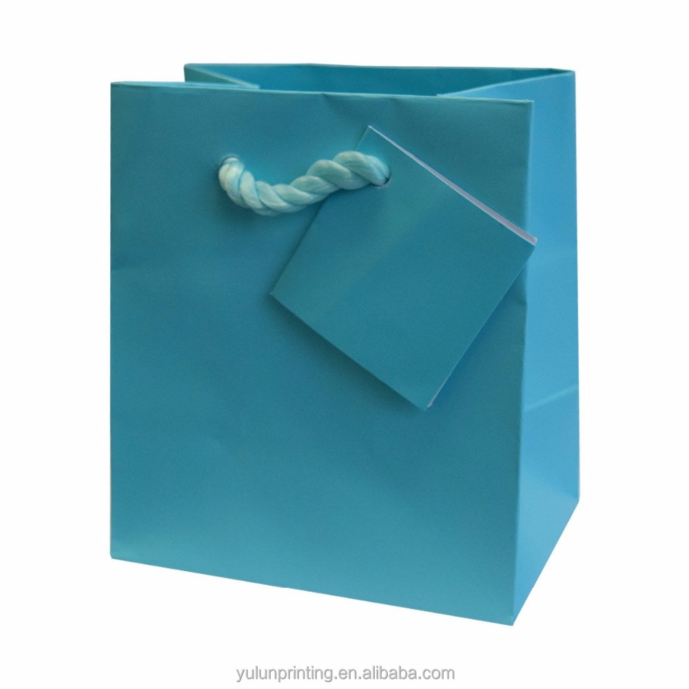 Party favors bags with hangtag fancy paper bags for gifts packaging everyday use elegant paper bags