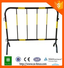 Alibaba Professional manufacturers retractable safety metal road barriers